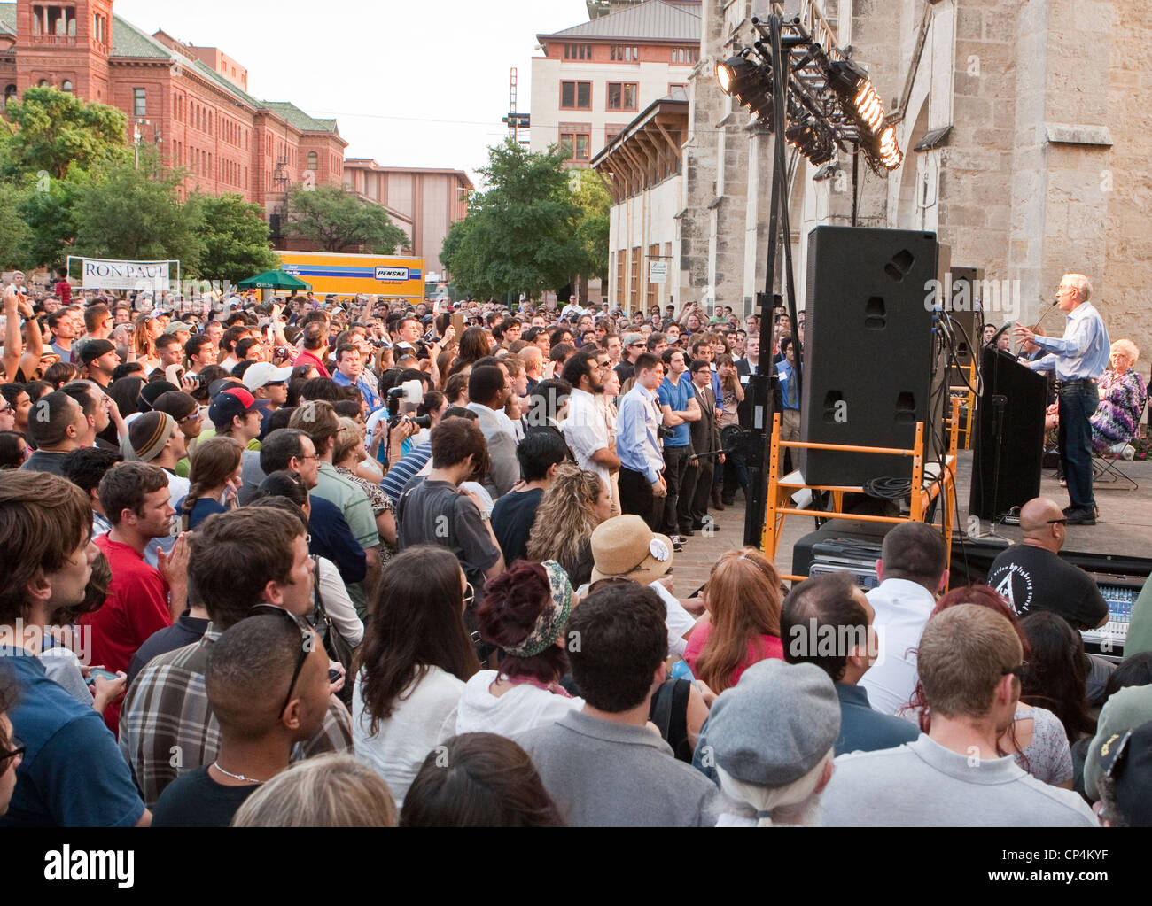 April 12th, 2012 San Antonio, Texas: GOP presidential candidate Ron Paul ends his campaign swing through his home - Stock Image
