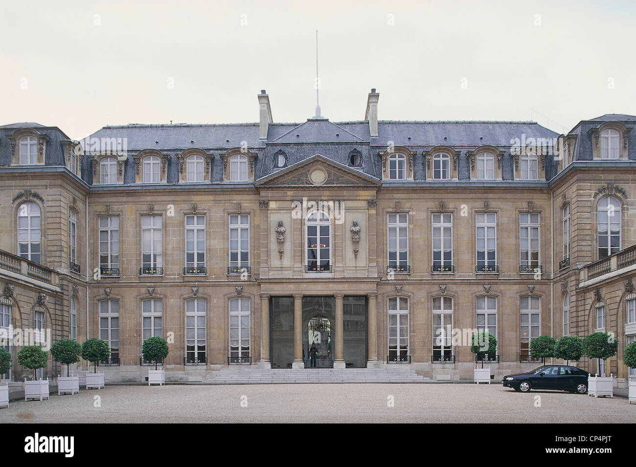 france paris elysee palace palais de l 39 elysee the official stock photo 48048752 alamy. Black Bedroom Furniture Sets. Home Design Ideas