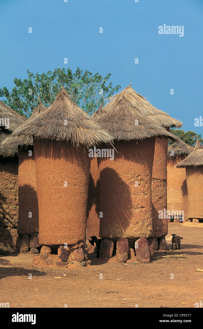 Cote d'Ivoire - Village Niofouin, barns typical of cylindrical Senoufo. - Stock Image