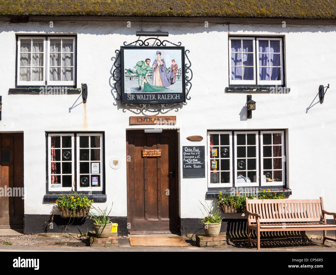 Sir Walter Raleigh Public House in the village of East Budleigh (his birth place), Devon, England. - Stock Image