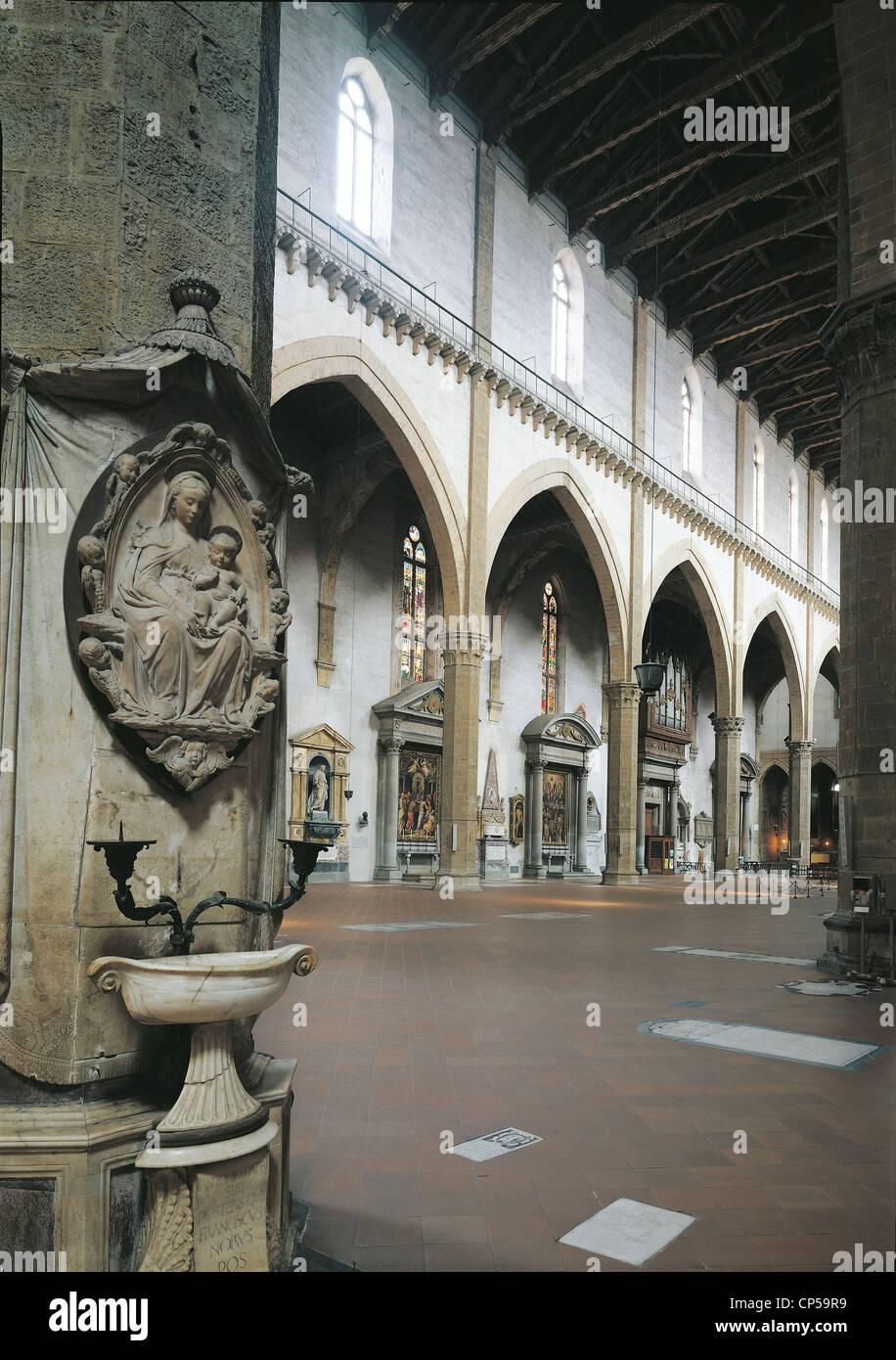 Tuscany, Florence. Arnolfo di Cambio (1245-1302), Holy Cross. AISLE LEFT INSIDE. XIII-XIV CENTURY GOTHIC ARCHITECTURE - Stock Image