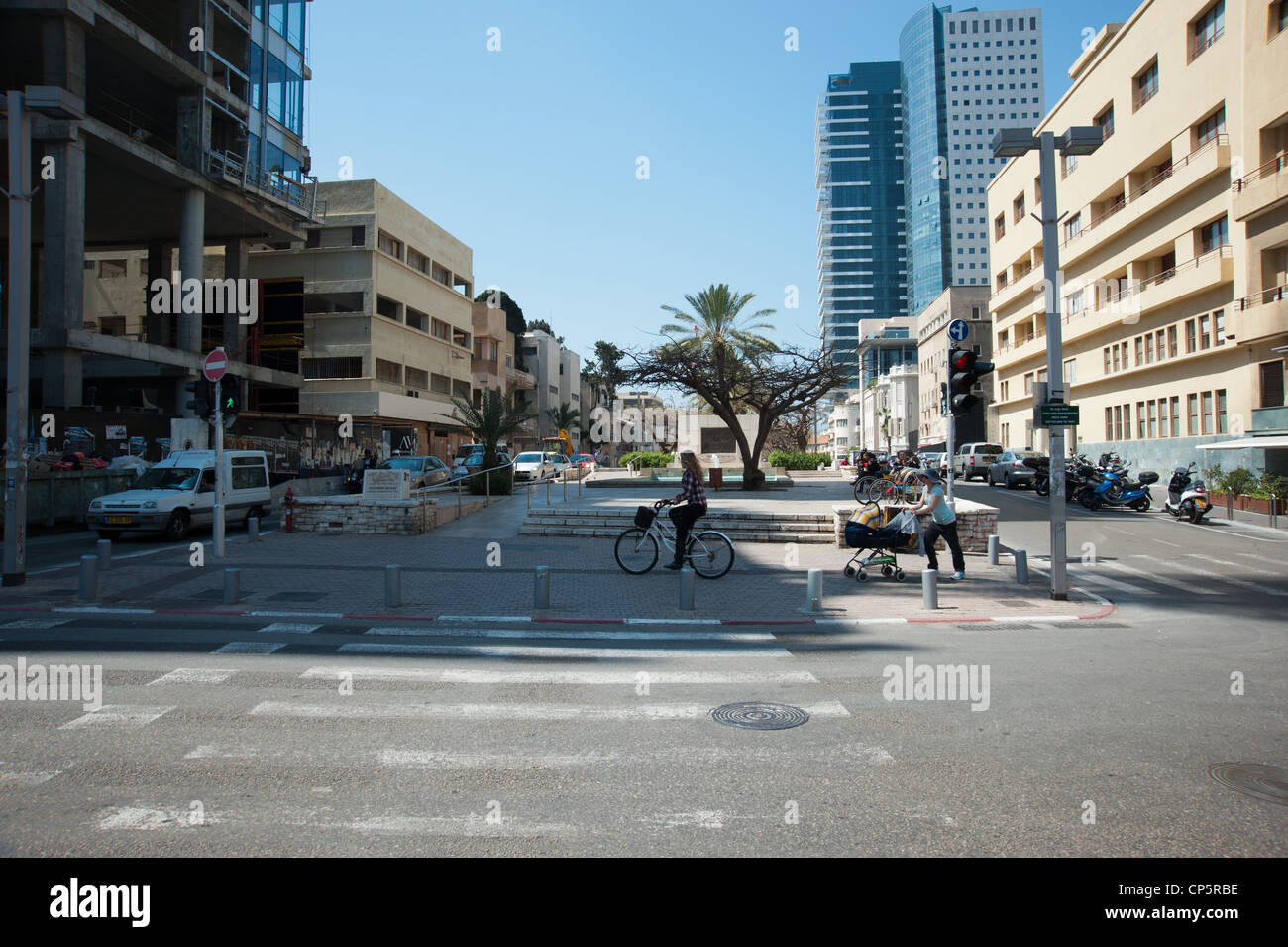 Israel, Tel Aviv, Founders Square Rothschild Boulevard. In memory of the 69 people who founded Tel Aviv in 1909 - Stock Image