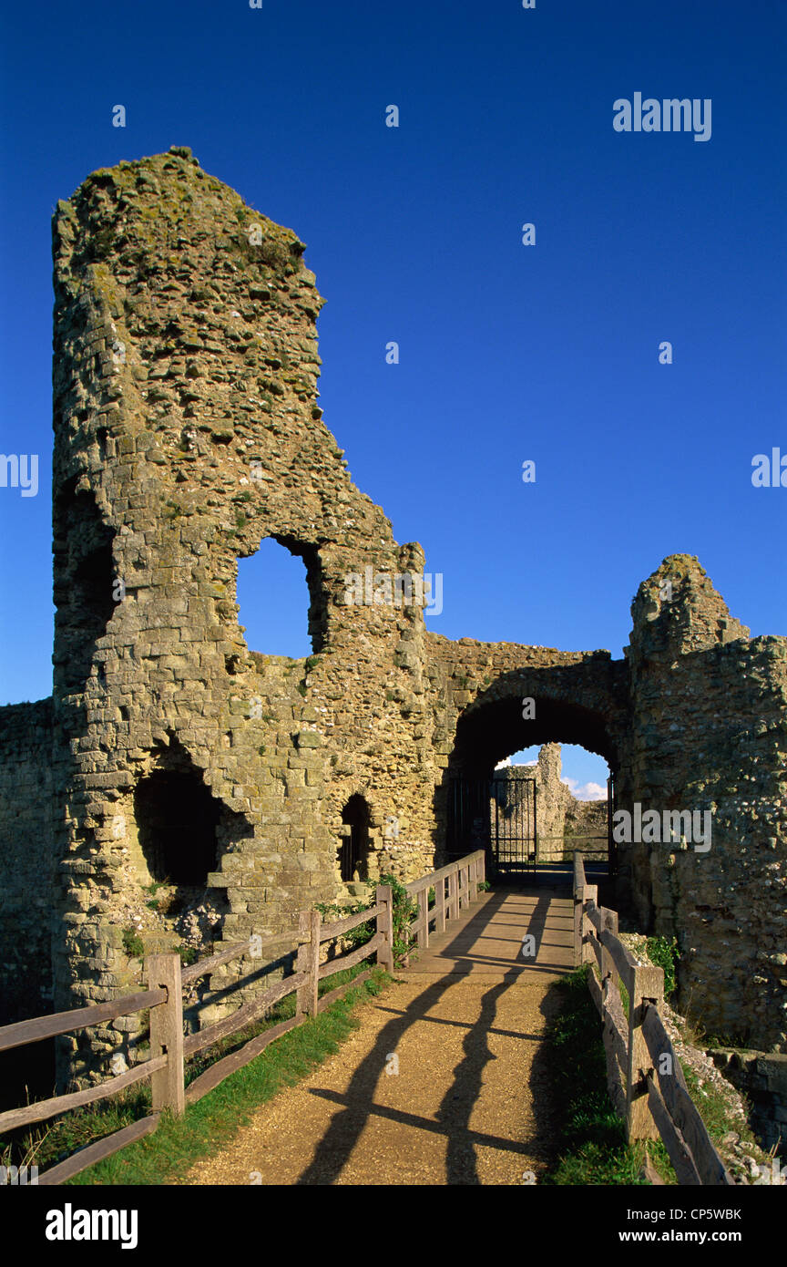 England, Sussex, Pevensey Castle - Stock Image