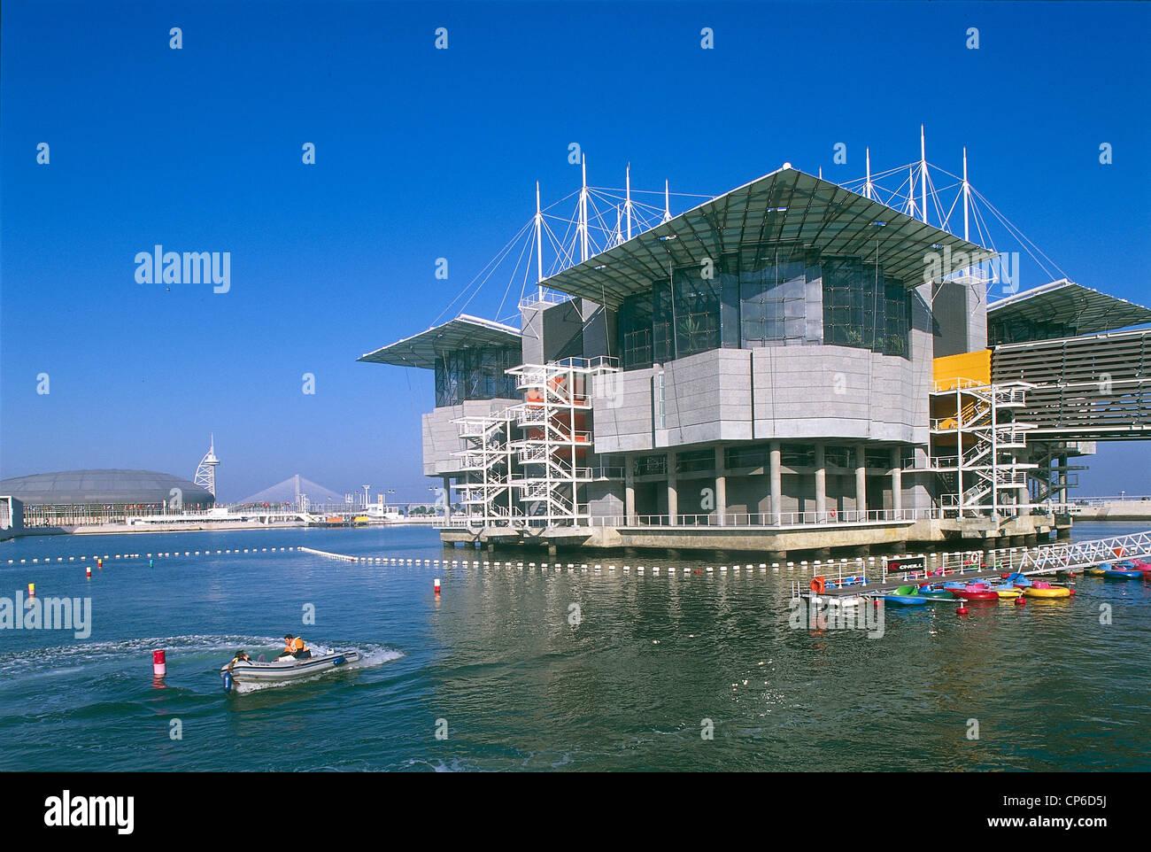 Portugal - Lisbon - Parque das Nac?es, Expo '98. Oceanarium (aquarium dedicated to the ocean) (architect Peter - Stock Image