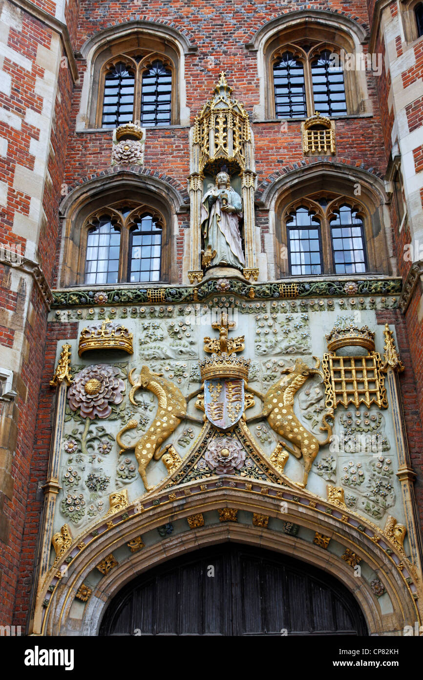 Crest on the entrance of St. Johns College, Cambridge, England - Stock Image