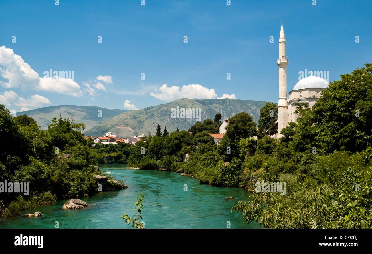 Mostar, Bosnia Hertzegovina, Europe - Koski Mehmed Pasa Mosque and River Neretva - Stock Image