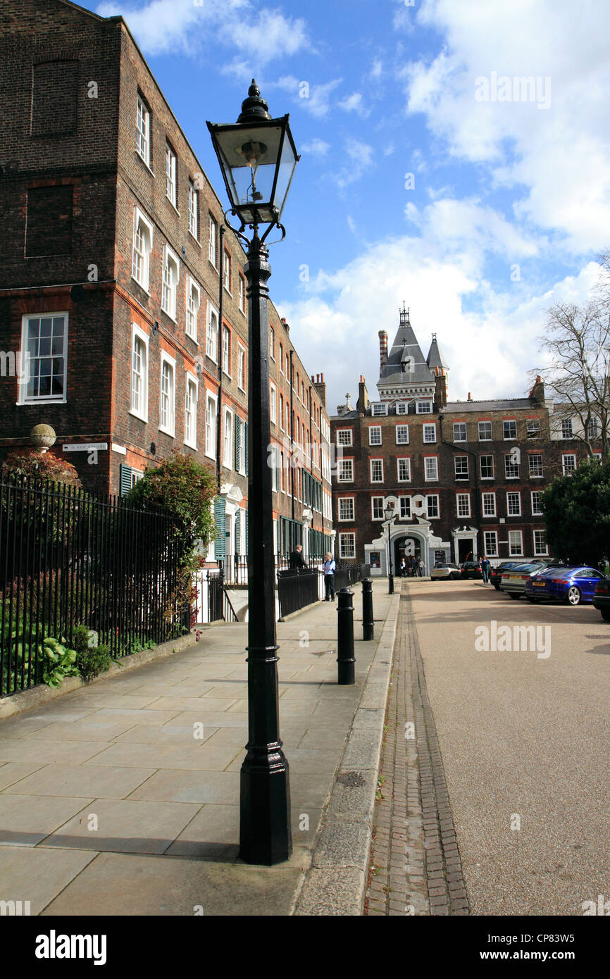 Old-fashioned, gas street lamp, New Square, Lincoln's Inn, London, UK - Stock Image
