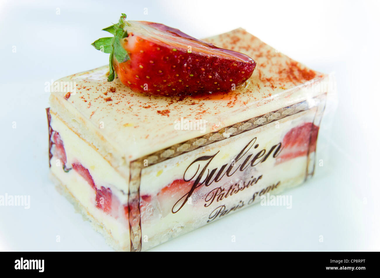 Strawberry cheesecake from a patisserie in Paris, France - Stock Image