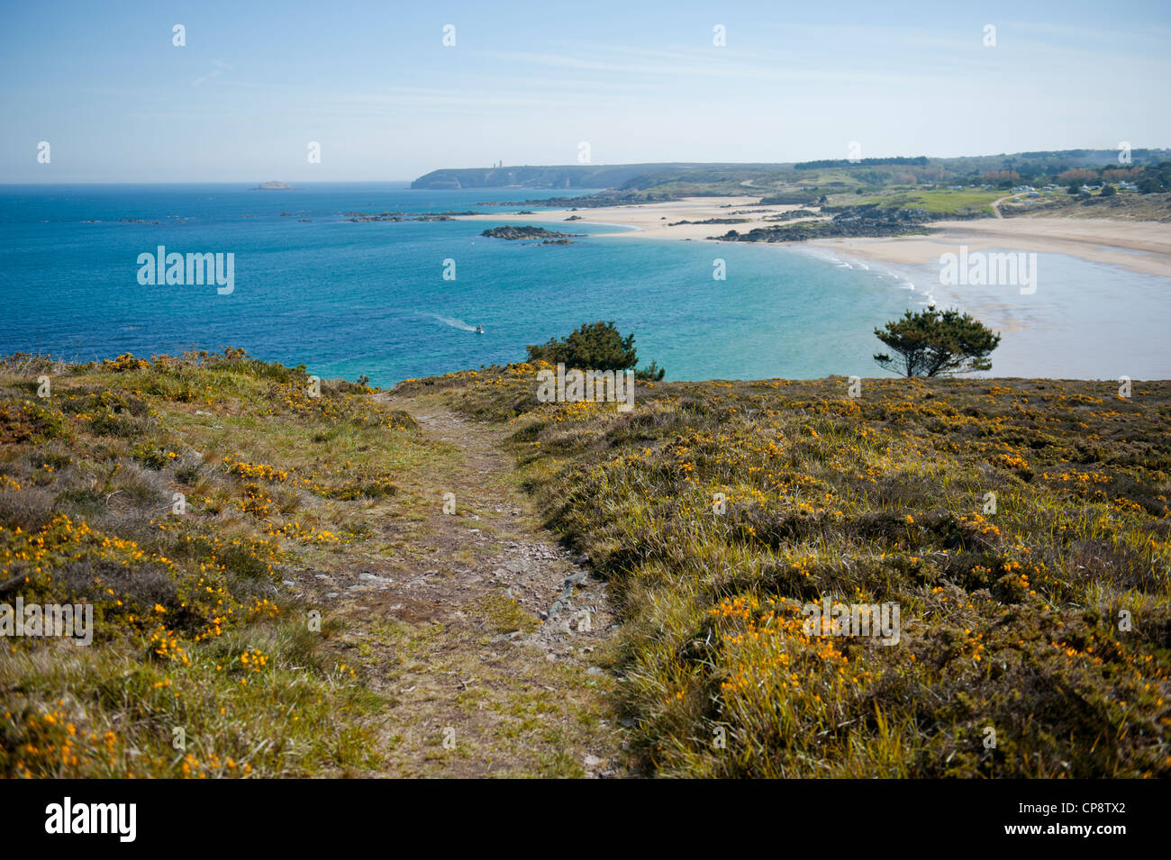 View of the Plage de l'Anse du Croc near Cap Fréhel on the north coast of Brittany, France - Stock Image