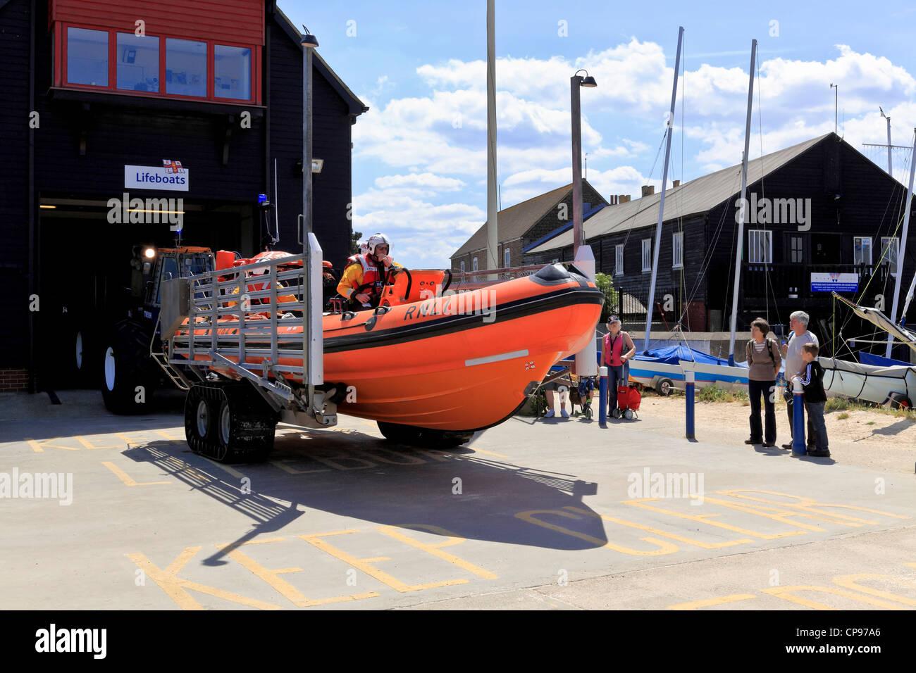 3911. RNLI Lifeboat launching, Whitstable, Kent, UK Stock Photo