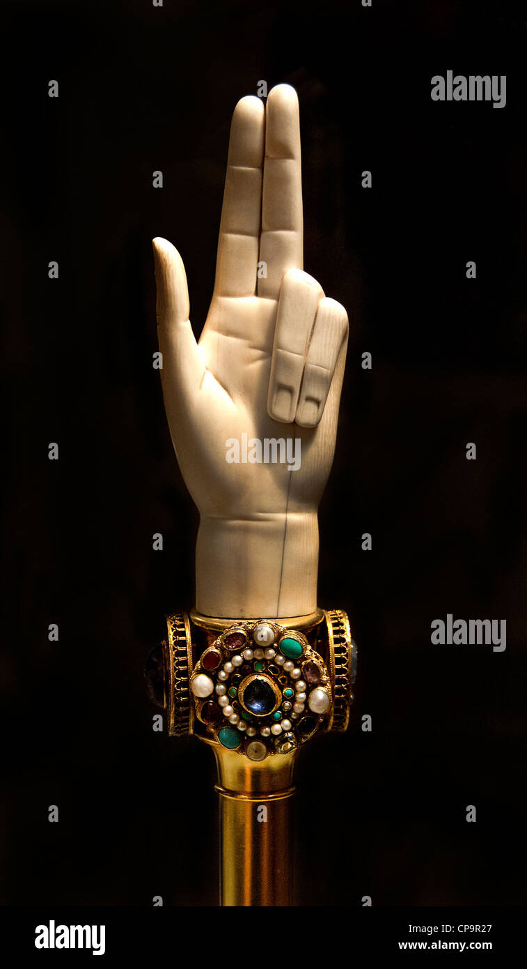 Hand of Justice 1804 Biennais France French Ivory Copper Gold cameos - Stock Image