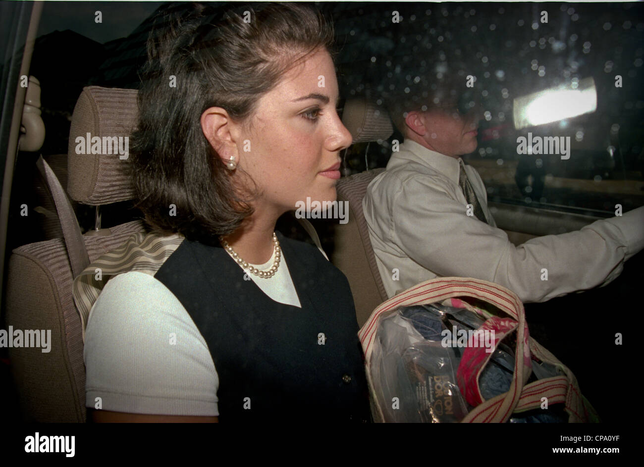 7ed961036b76 White House intern Monica Lewinsky leaves her lawyers offices after  striking a deal for immunity with