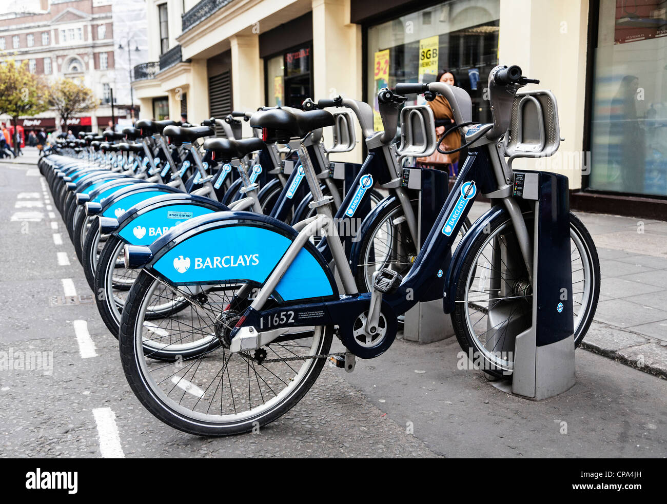 Barclays Cycle Hire docking station, Boris bikes, London, England. - Stock Image
