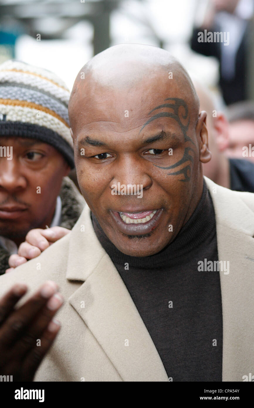 Mike Tyson pays respects to Johnny Owen when he visits Merthyr Tydfil, South Wales, 2009 - Stock Image