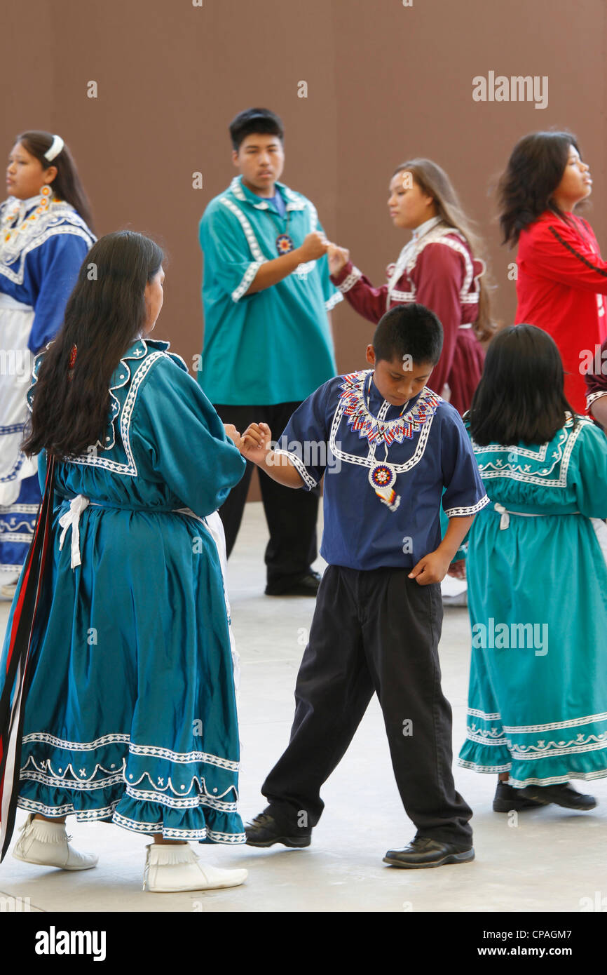 USA, North Carolina, Cherokee. Choctaw Indians performing a social dance on stage during the annual Southeast Tribes - Stock Image
