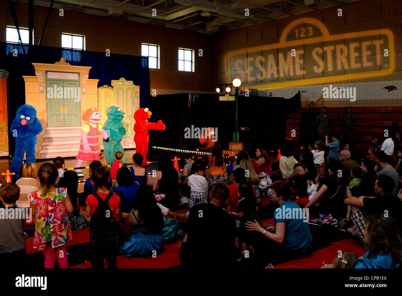 Sesame Street Stock Photos & Sesame Street Stock Images - Alamy