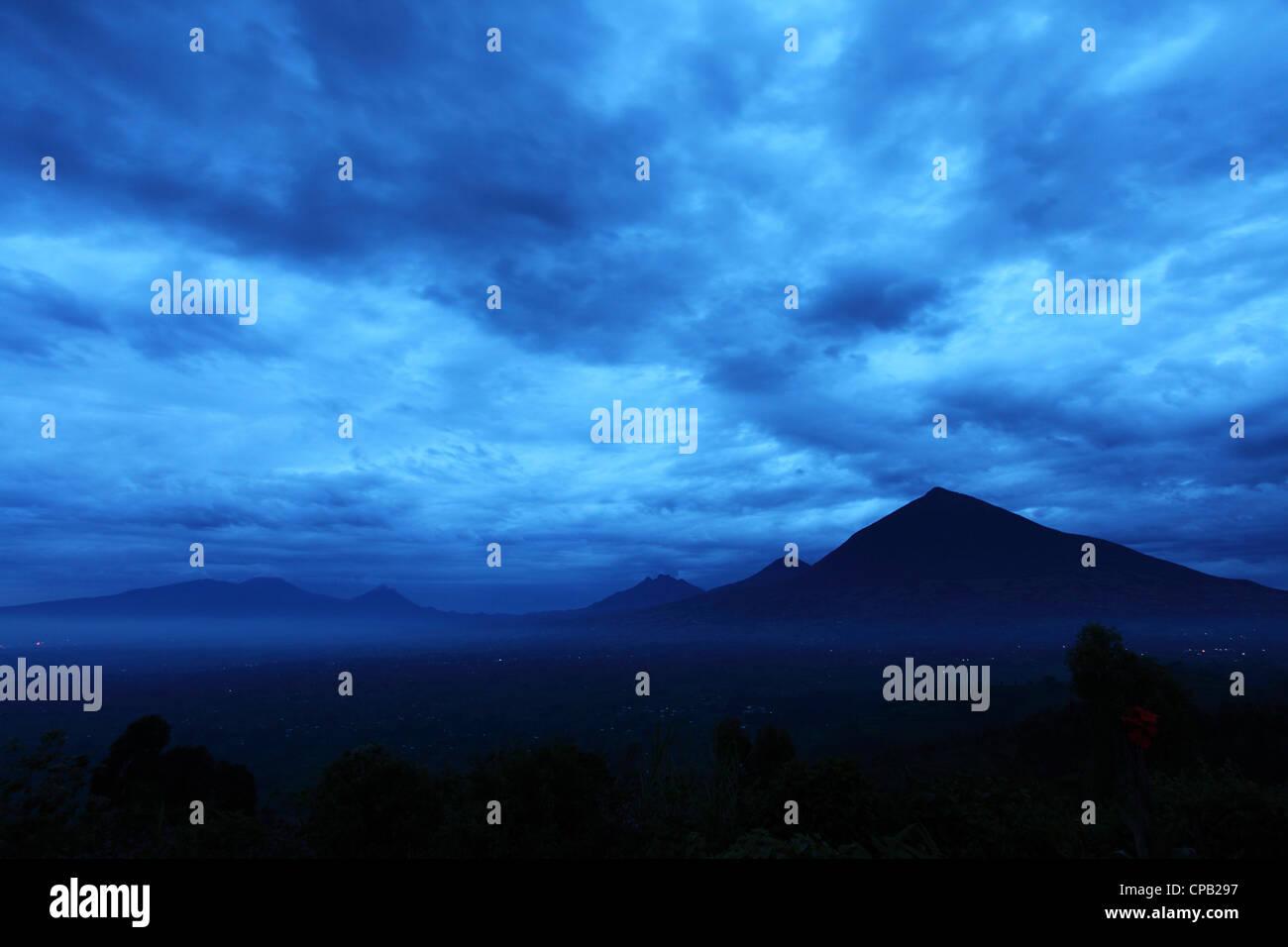 The Virunga Mountain Range in the Volcanoes National Park, Rwanda. - Stock Image