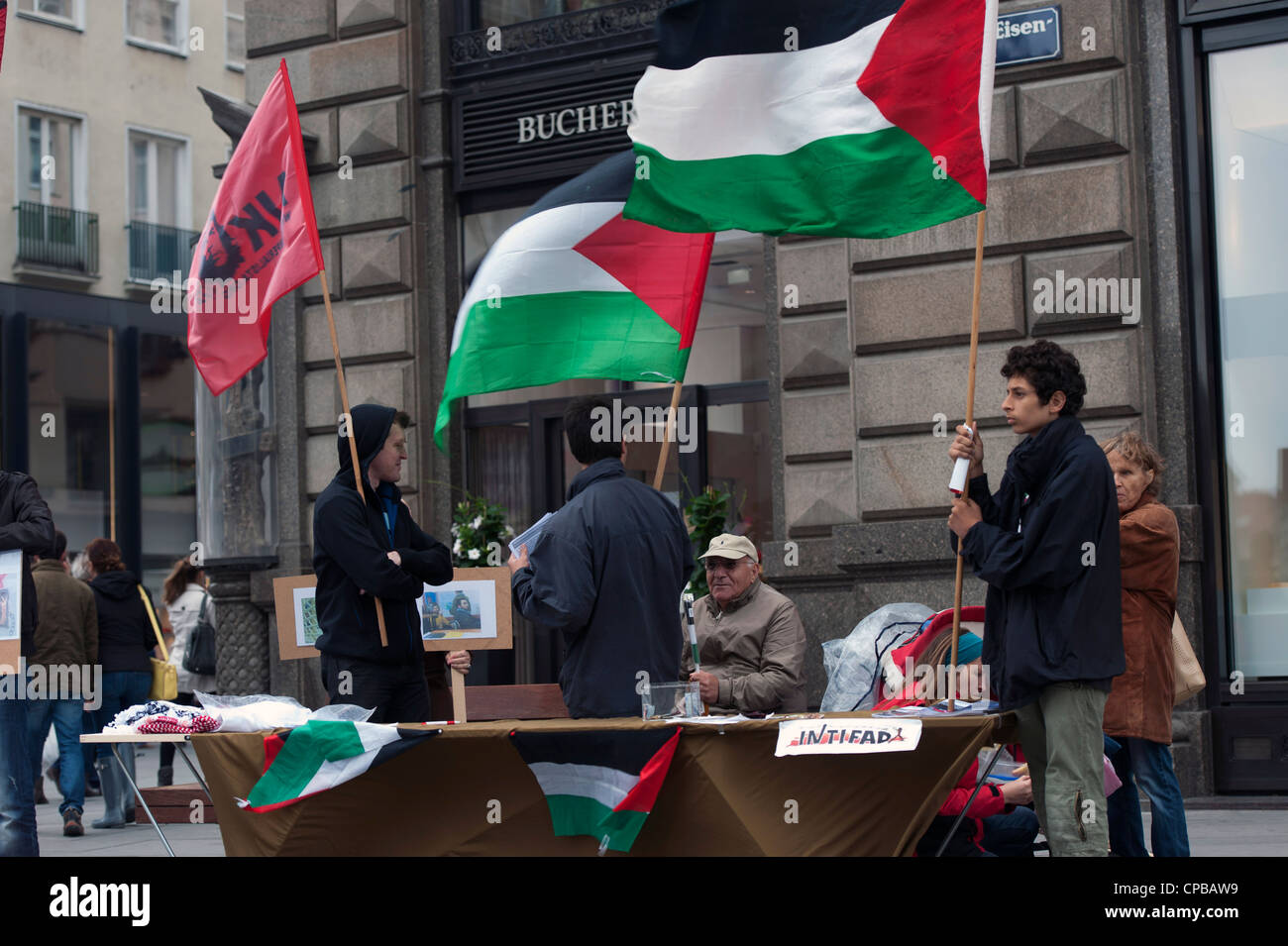 Demo in solidarity with Palestinian prisoners in Israeli jails - Stock Image