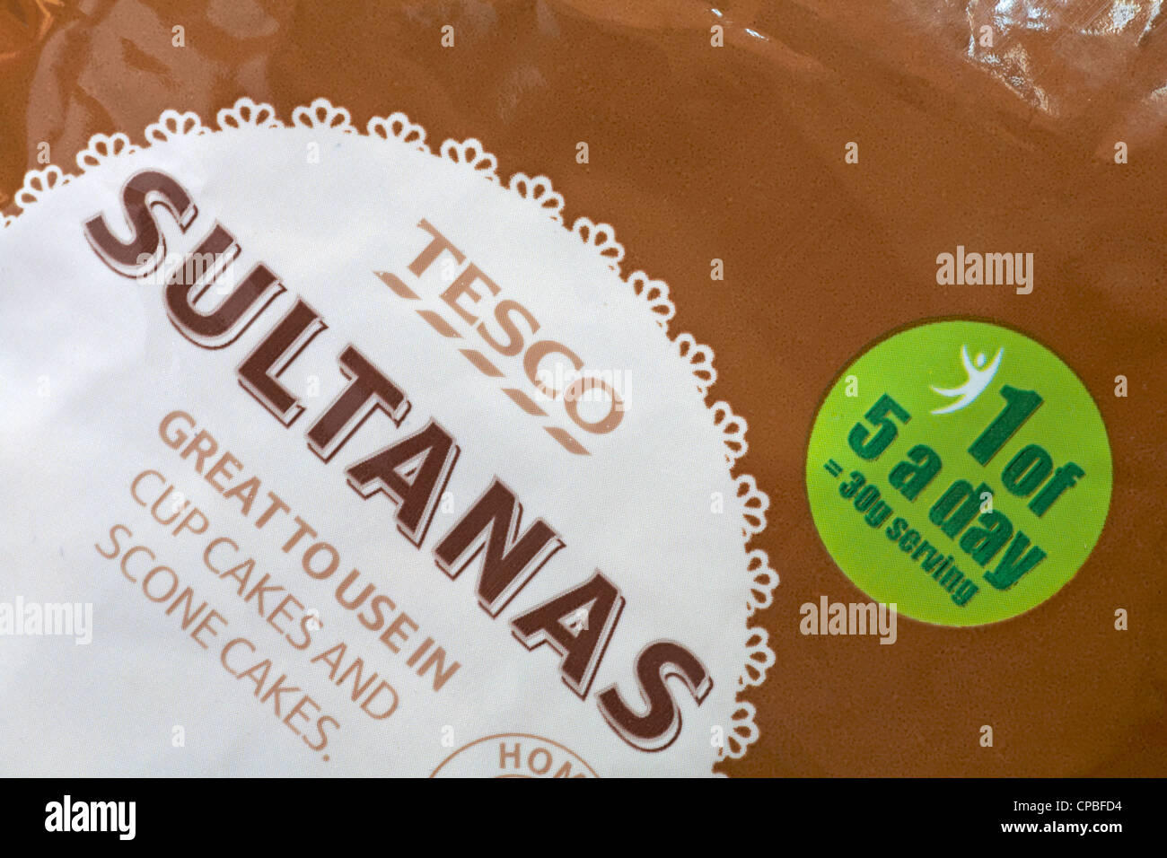 1 of 5 a day label on Tesco Sultanas Stock Photo