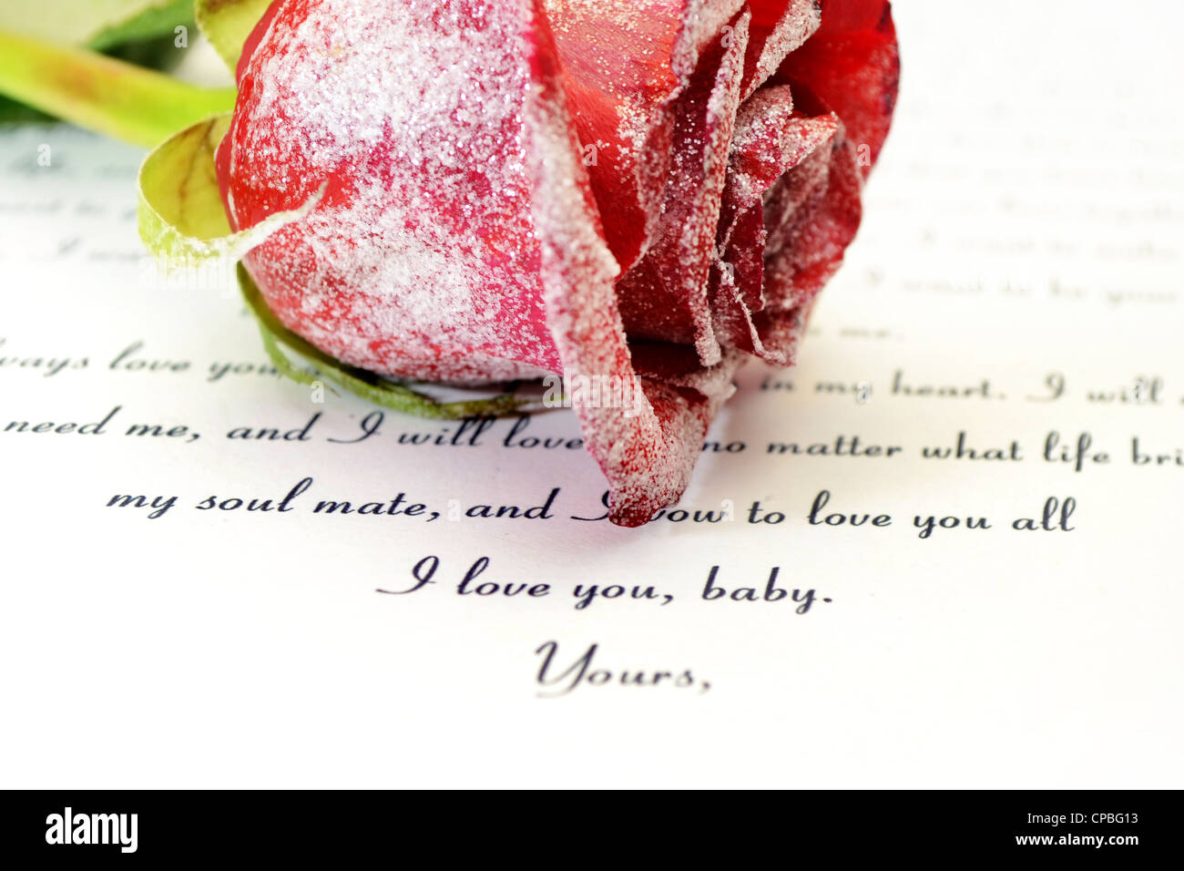 Red rose and love letter - Stock Image