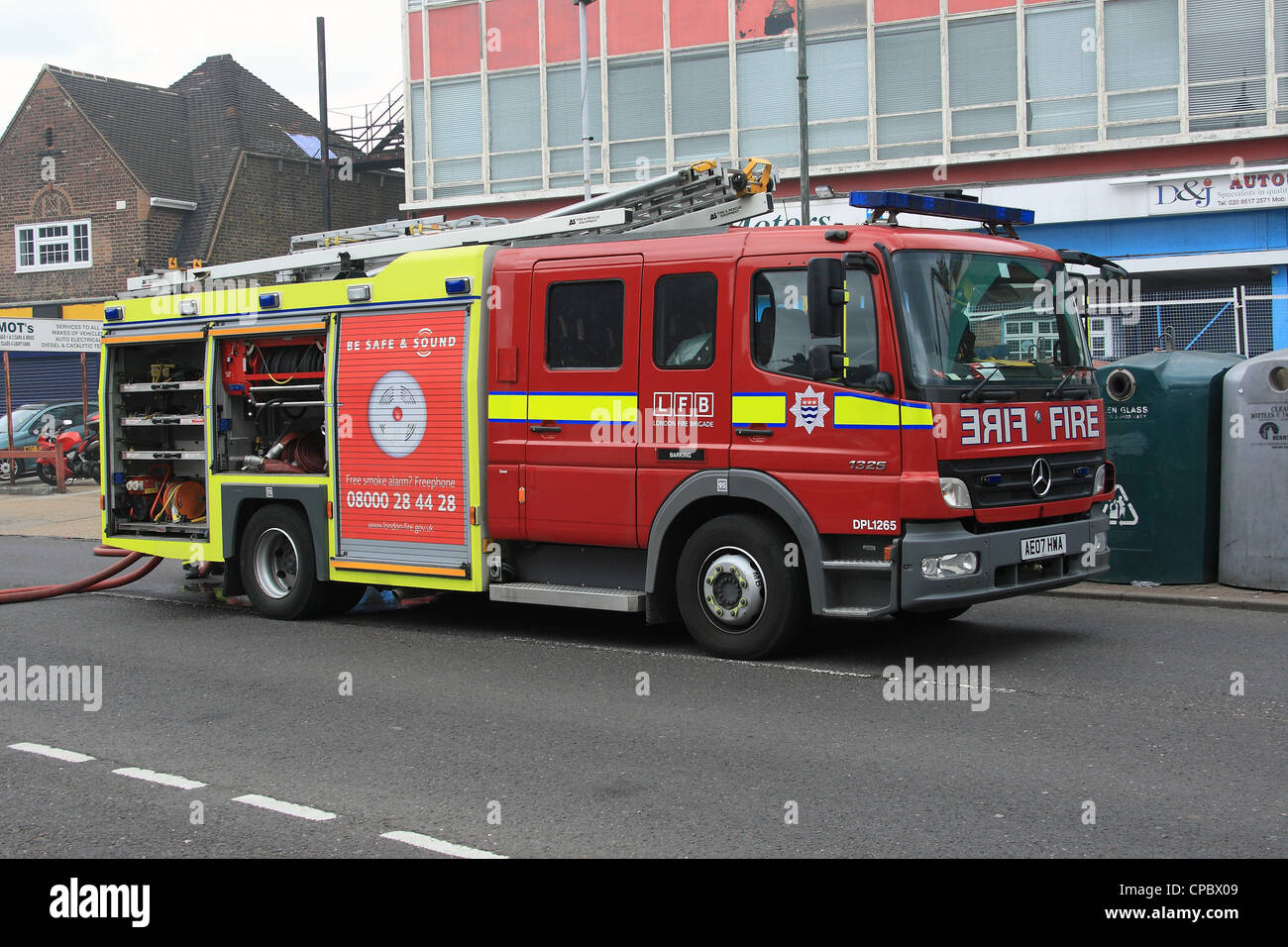Great London Fire Brigade Asset Co Mercedes 1325 Atego Fire Engine   Stock Image