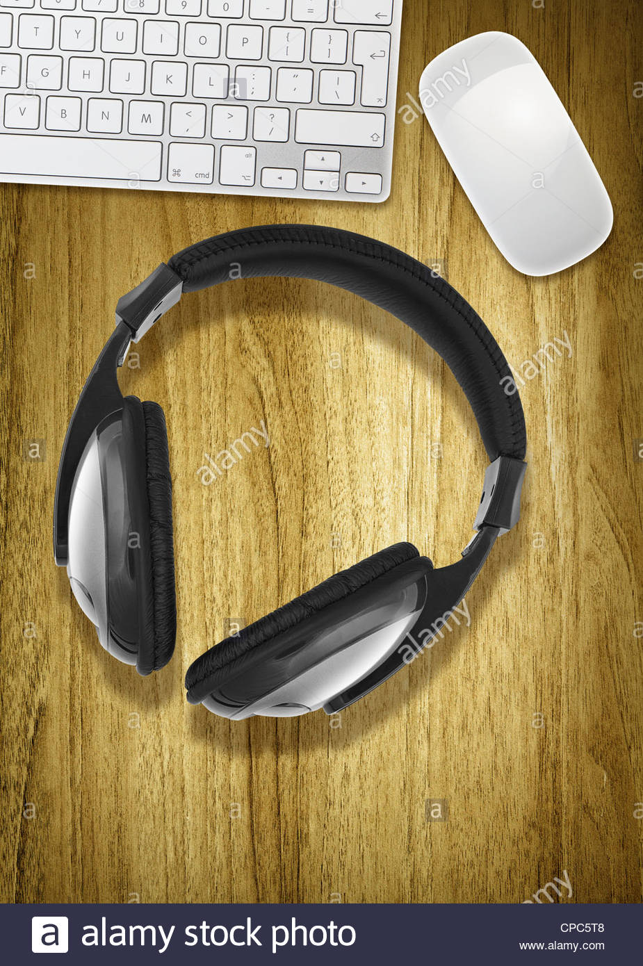 headphones and computer - Stock Image