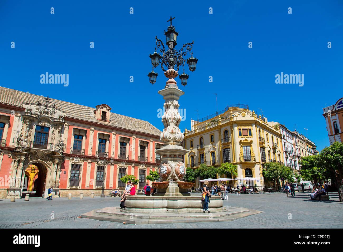 Europe, Spain Andalusia, Seville, Plaza Virgen de los Reyes - Stock Image