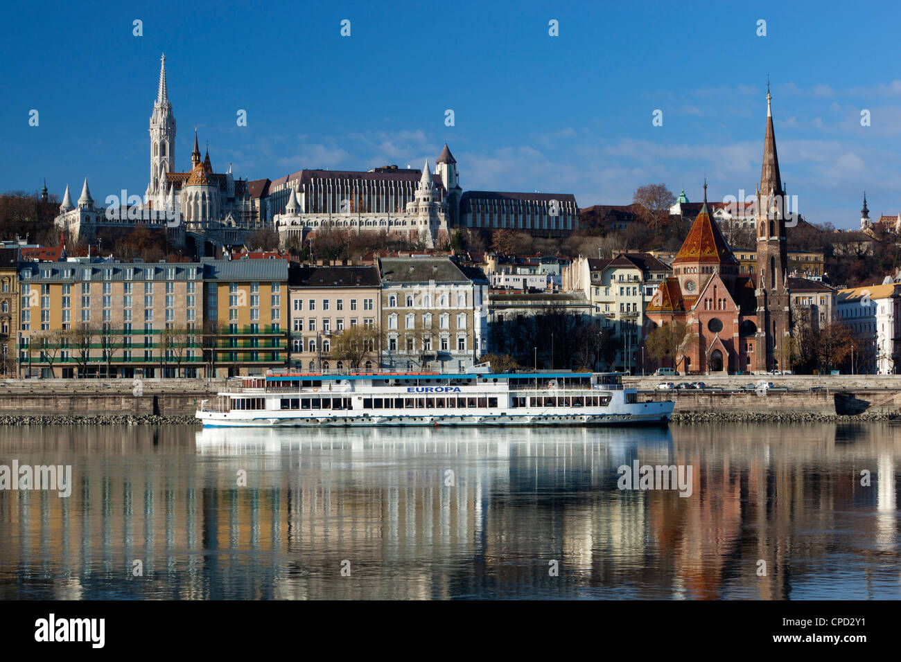 View over River Danube to Matthias Church (Matyas Templom) and Fishermen's Bastion, Budapest, Central Hungary, Hungary, Stock Photo