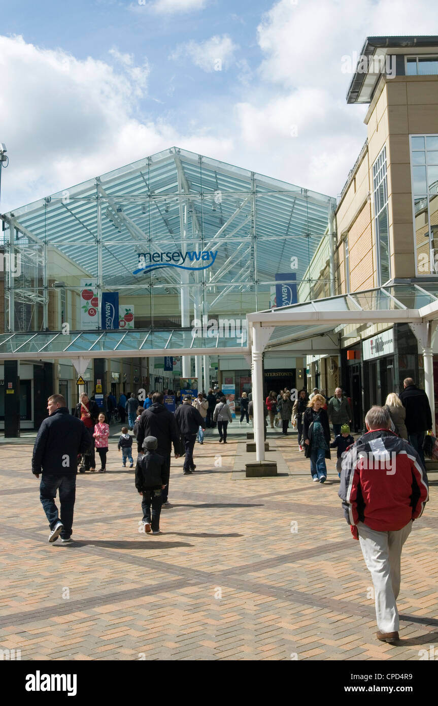 mersey way shopping center stockport uk - Stock Image