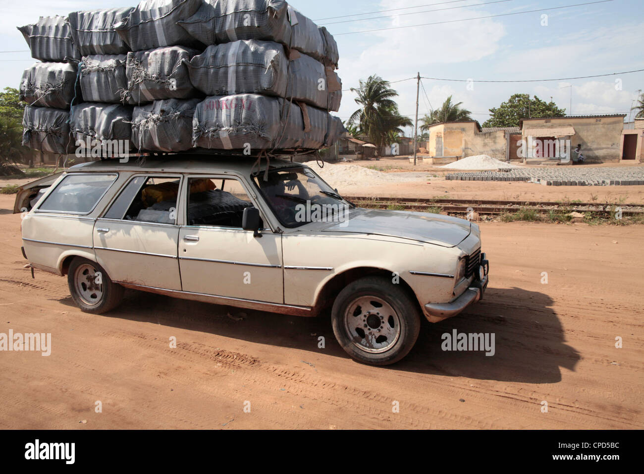 Overloaded vehicle, Lome, Togo, West Africa, Africa - Stock Image
