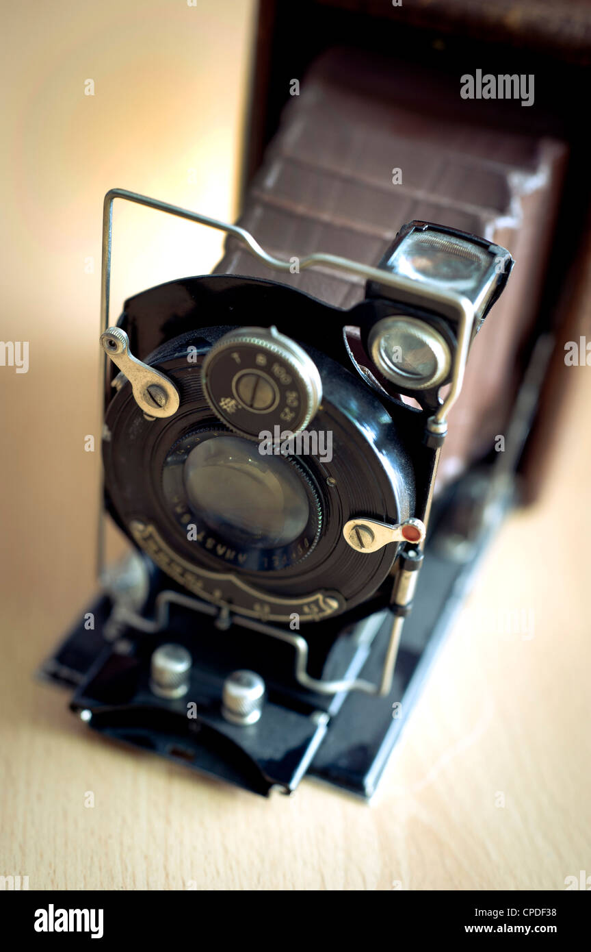 antique Foth plate camera, model made in 1931 in Germany, with leather bellow Stock Photo