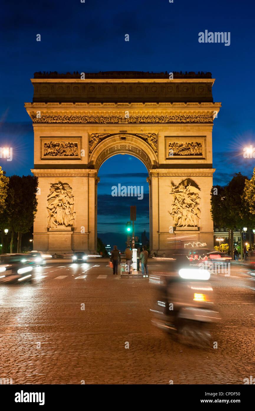 Traffic around Arc de Triomphe, Avenue des Champs Elysees, Paris, France, Europe - Stock Image