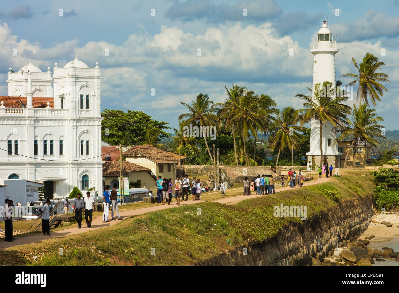 Meeran Jumma Mosque and the lighthouse at the Point Utrecht Bastion in the old Dutch Fort, Galle, Southern Province, - Stock Image