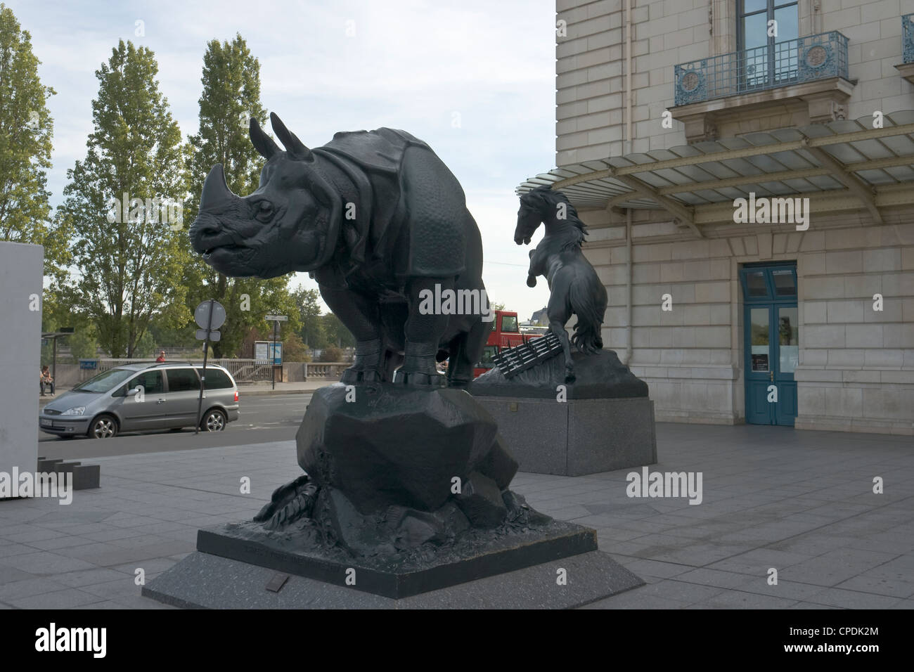 Bronze sculptures in front of the Quai d'Orsay museum in Paris [...] Stock Photo