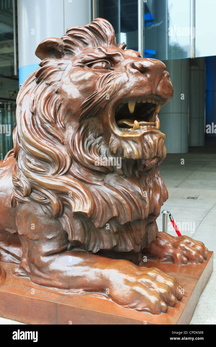 Bronze lion sculpture outside HSBC Headquarters, Central, Hong Kong Island, Hong Kong, China, Asia - Stock Image