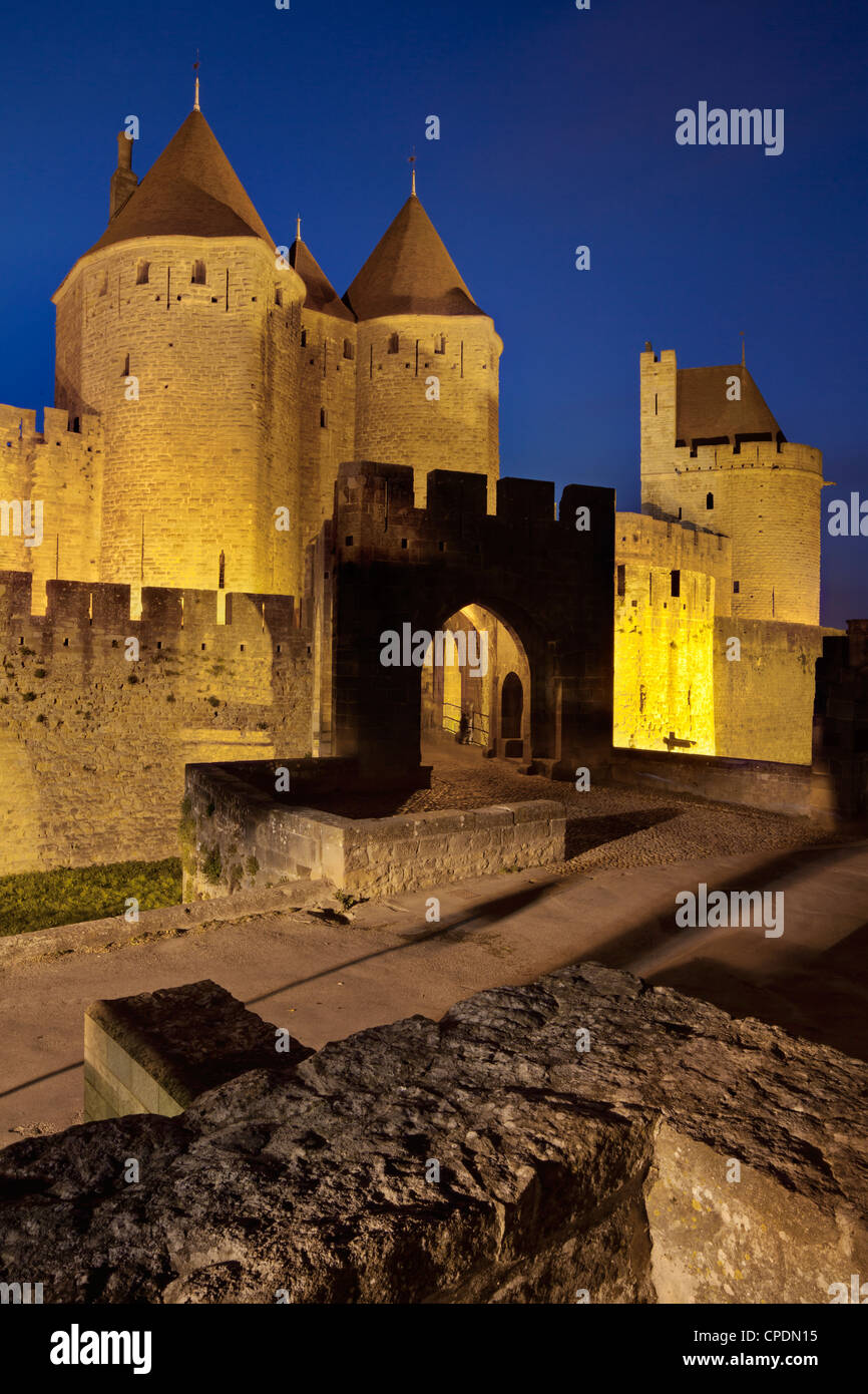The turrets at the main entrance into medieval city of La Cite, Carcassonne, Languedoc-Roussillon, France, Europe - Stock Image