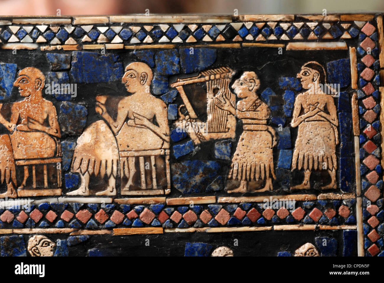 STANDART OF UR, DATING FROM 2600 B.C. AN ELABORATELY DECORATED ART WORK, INLAID WITH SHELL AND LAPIS LAZULI,  DETAIL - Stock Image