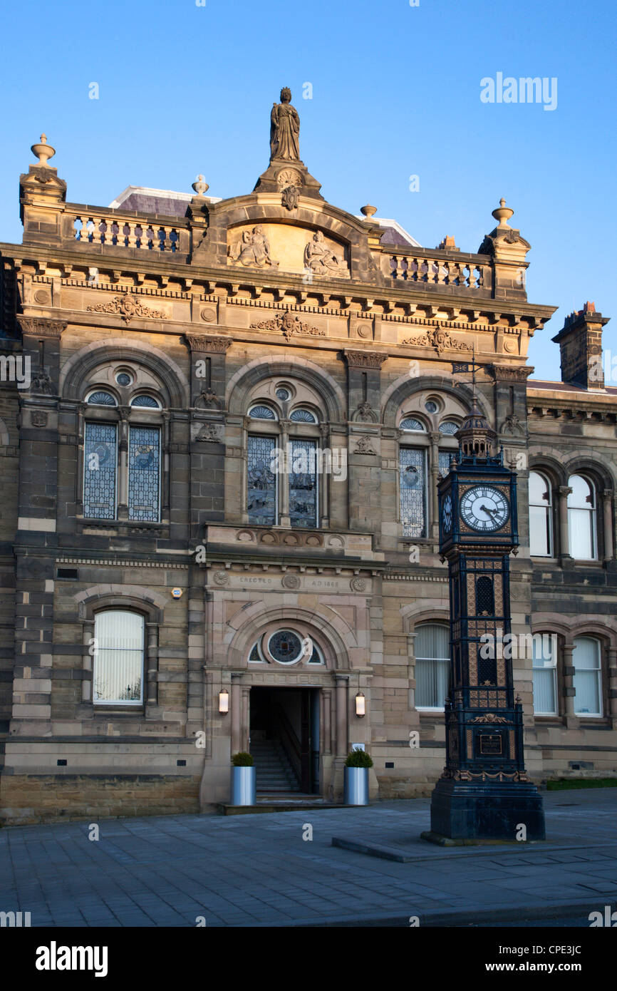 Old Town Hall, Gateshead, Tyne and Wear, England, United Kingdom, Europe - Stock Image