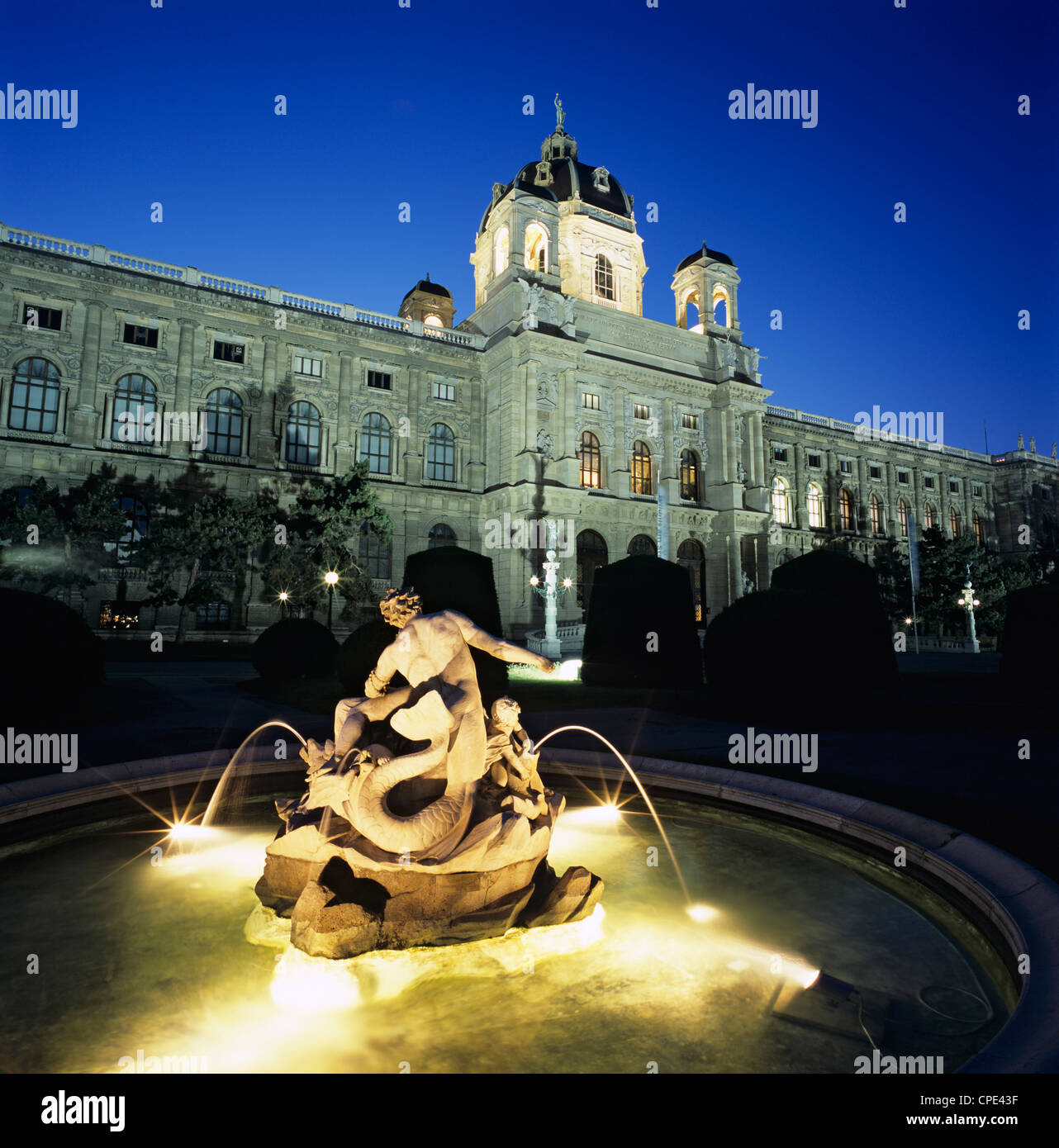 The Natural History Museum at night, Maria Theresien Platz, Vienna, Austria, Europe - Stock Image