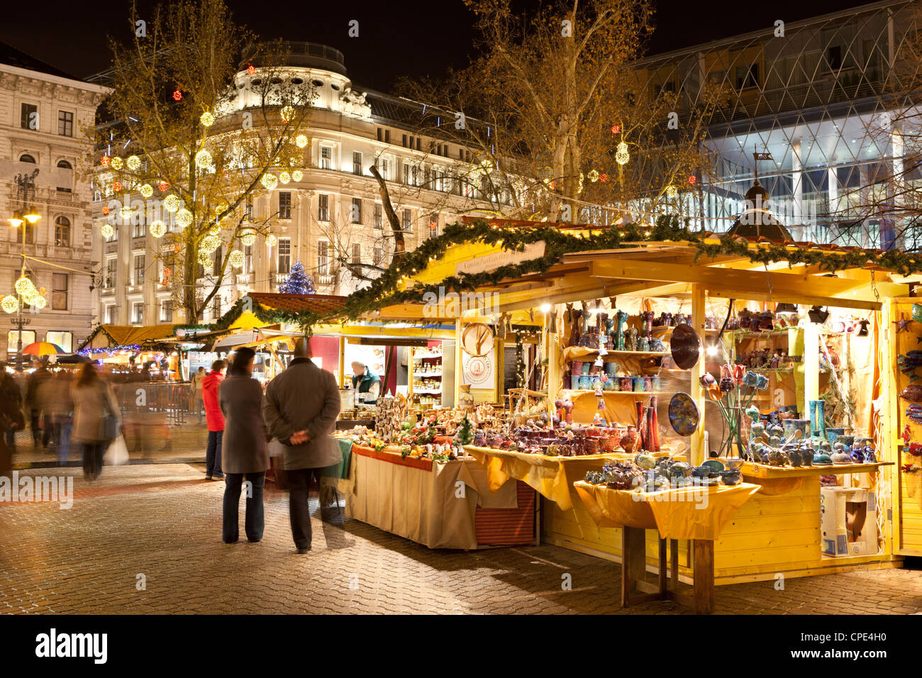 Christmas Market, Vorosmarty Square (Vorosmarty Ter), Budapest, Hungary, Europe - Stock Image