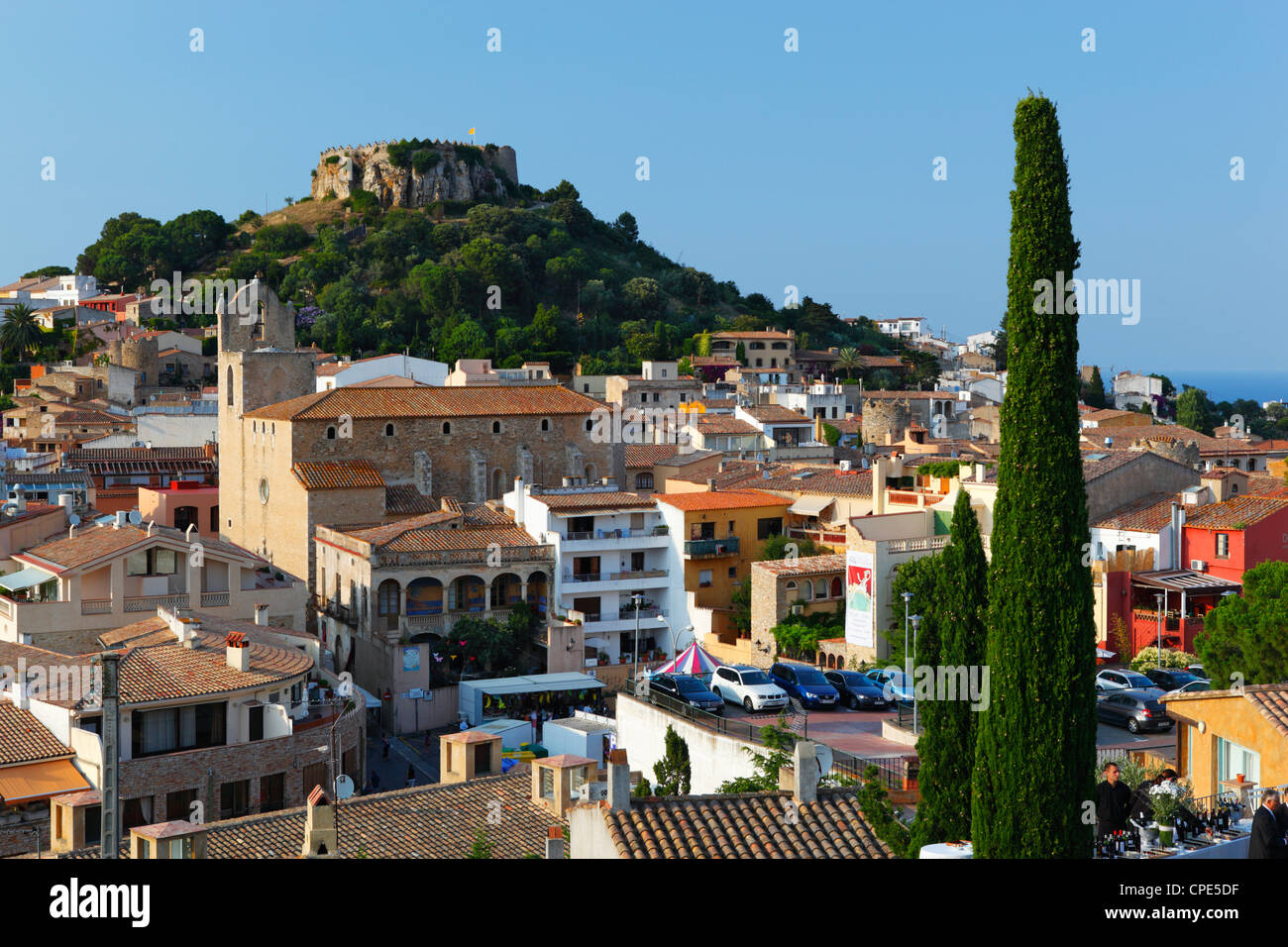 Ruined castle above old town, Begur, Costa Brava, Catalonia, Spain, Europe - Stock Image