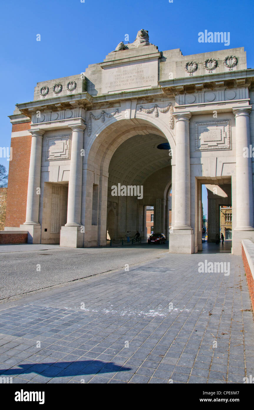 Menin gate 1927 stock photos menin gate 1927 stock images alamy the menin gate memorial to the british missing is a world war 1 memorial on freerunsca Image collections