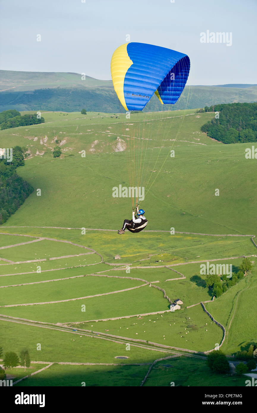 Paragliding off Mam Tor, Derbyshire, Peak District, England, United Kingdom, Europe - Stock Image
