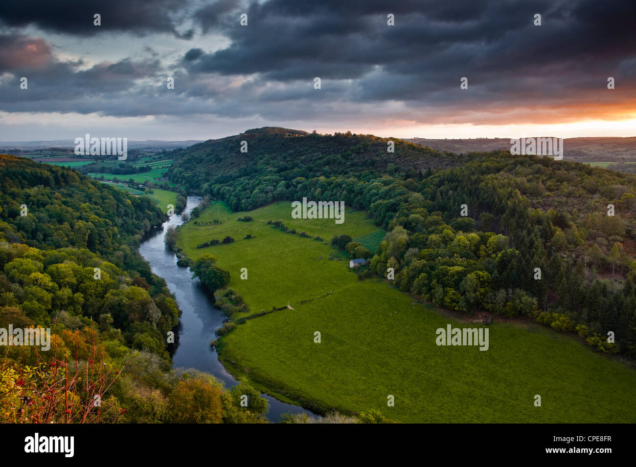 The breaking dawn sky and the River Wye from Symonds Yat rock, Herefordshire, England, United Kingdom, Europe - Stock Image