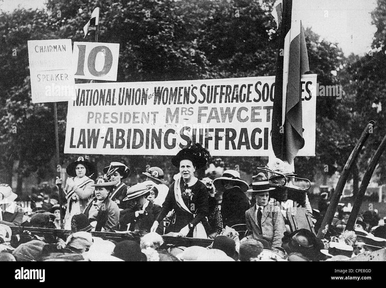 MILLICENT FAWCETT (1847-1929) English suffragist at a Hyde Park rally about 1915 - Stock Image