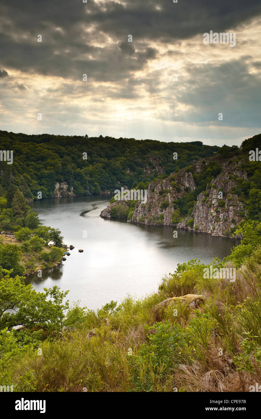 Deep gorges in the River Creuse near to Crozant, Creuse, Limousin, France, Europe - Stock Image