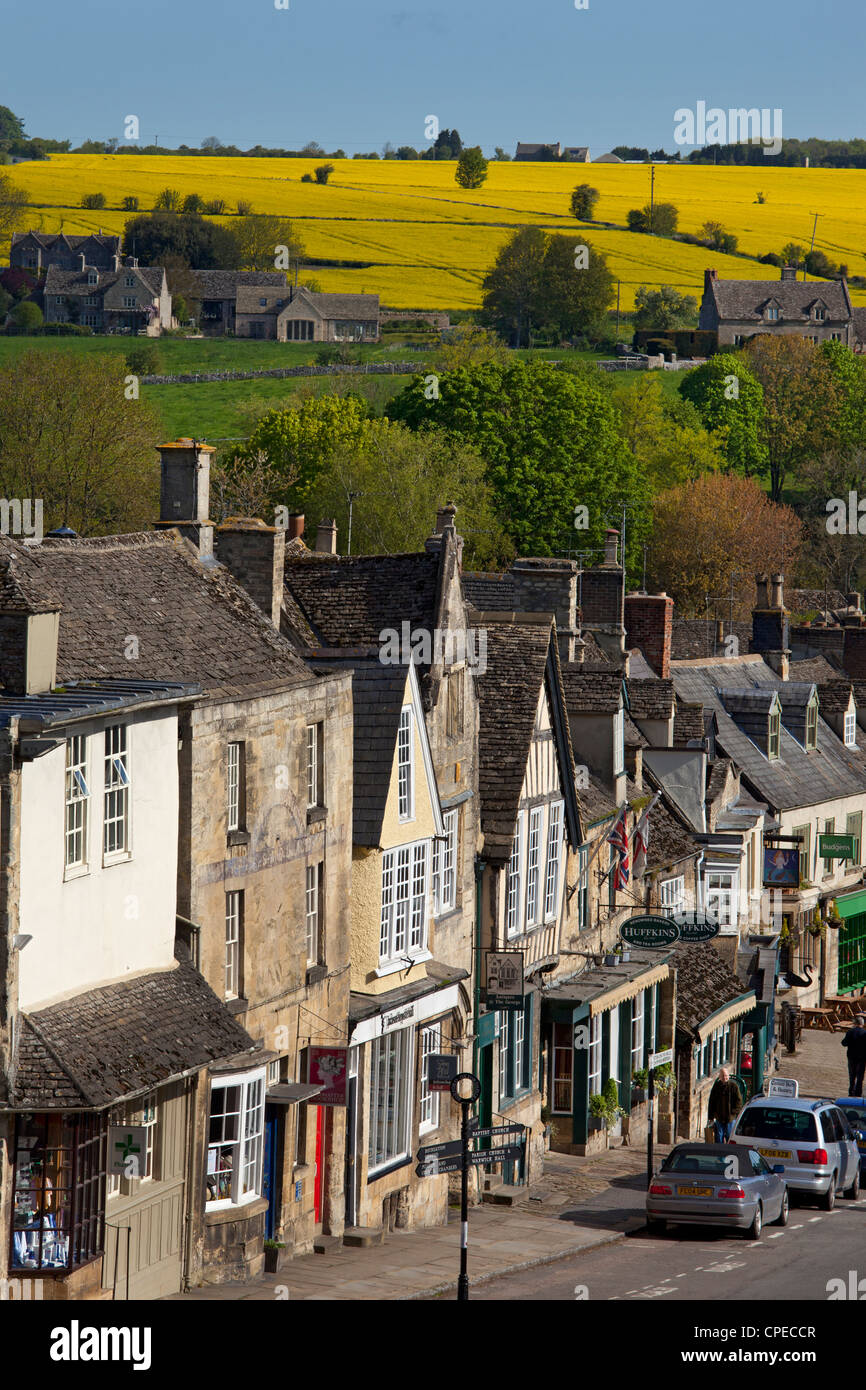 Gateway to the Cotswolds, Burford High street and view in the early summer, Oxfordshire, England - Stock Image