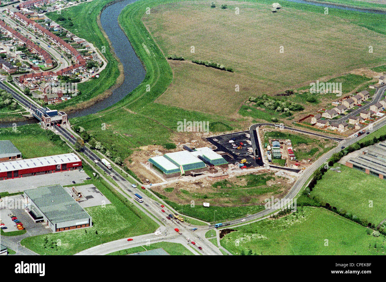 Oblique aerial view of north Hull showing Sutton Road bridge over the River Hull with residential and industrial - Stock Image