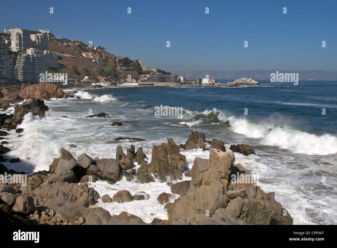 Coastline at Concon Vina del Mar Chile - Stock Image