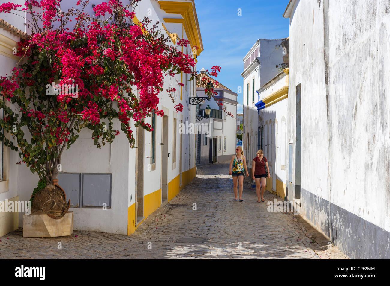 Street in the Old Town (Cidade Velha or Vila Adentro), Faro, Algarve, Portugal - Stock Image